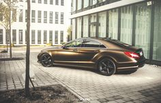Mercedes CLS ≠ Bond Gold Matt Metallic
