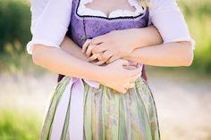 Eine wunderschöne Trachtenhochzeit: http://www.skop-photos.de/hochzeitsfotos-schloss-oberschleissheim-tenne-kirchdorf/  fotograf standesamt hochzeit unterschleissheim muenchen