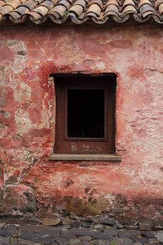 windows in Colonia, Uruguay