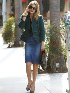 Ali Larter Photos Photos: Ali Larter Out and About in Beverly Hills Denim Skirt Winter, Denim Skirt Outfit Summer, Denim Skirt Outfits, Denim Outfit, Denim Skirts, Fearne Cotton, Casual Work Outfits, Work Casual, Casual Chic