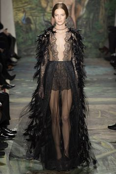 Check out all of the looks from Paris Haute Couture Week on tresdope.com. Photo: Valentino Couture Spring 2014. #fashion