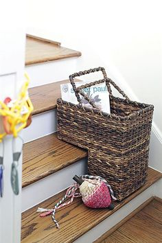Leaf Woven Stair Basket - Shopninespace - 1