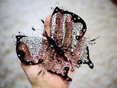 Simply Creative: Amazing Paper-Cutting Art by Hina Aoyama Stylo 3d, Art Du Monde, Paper Cut Design, 3d Pen, Paper Lace, Japanese Artists, Beautiful Butterflies, Beautiful Bugs, Beautiful Things