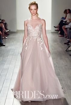 2016_bridescom-Runway-October-blush-by-hayley-paige-wedding-dresses-fall-2017-Large-blush-by-hayley-paige-wedding-dresses-fall-2017-006.jpg 460×680 pixelov