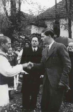 Regele Mihai salutând un țăran, (niv. Michael I Of Romania, Romanian Royal Family, Blue Bloods, European Countries, Eastern Europe, My King, View Image, Vintage Photos, Royalty