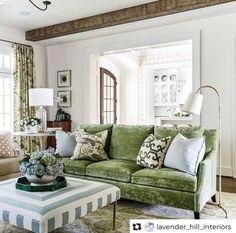 Living Room Decor, Living Spaces, Living Rooms, Family Rooms, Home Interior Design, Interior Decorating, Hill Interiors, Classic Living Room, Georgian Homes