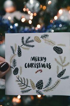 In der Vorweihnachtszeit gehört das Verpacken der Geschenke zu unserer absoluten Lieblingsbeschäftigung. Aber nicht nur das Kleben, Binden und Stempeln auf Geschenkpapier macht uns große Freude. Denn auch außergewöhnliche Weihnachtskarten basteln steht bei uns ganz oben auf der To-Do-Liste!/Westwing Weihnachtskarte selber basteln gestalten mit Kindern modern kreativ einfach Tannenbaum christmas card DIY xmas 2021 new year aquarell ideas design kids Weihnachten Advent Christmas Card Images, Merry Christmas Quotes, Christmas Night, Christmas Greeting Cards, Christmas Wishes, Christmas Greetings, Merry Xmas, Christmas Pictures, Diy Xmas