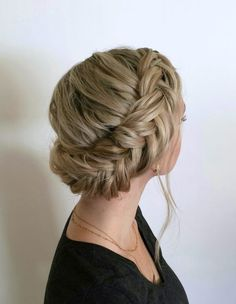 1504 best Cheveux images on Pinterest   Bridal hairstyles  Easy     Fischschwanz Franz    sisch Braid Frisuren