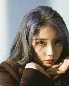 Photo album containing 66 pictures of IU Korean Girl, Asian Girl, Korean Idols, Iu Twitter, Cute Girls, Cool Girl, Queens, Cosmic Girls, Female Poses