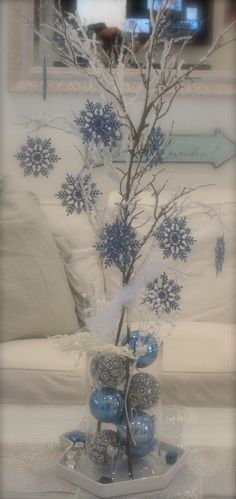 DIY Winter Centerpiece I think I would just use silver and white maybe with a pop of red