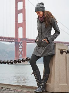 Fall/Winter style in Sorel Conquest Carly black boots