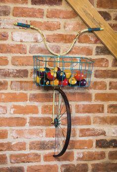 Evergreen Enterprises, Inc Front Basket Metal Bicycle and Planter Wall Decor – diy decoration Deco Originale, Creation Deco, Bike Art, Yard Art, Diy Home Decor, Decoration Crafts, Room Decorations, Decor Room, Diy And Crafts