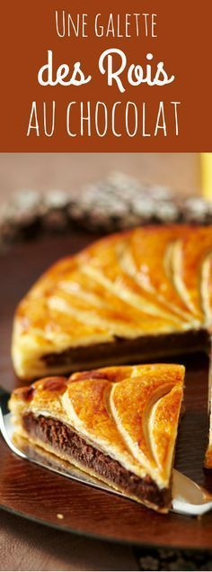 Tips & Advice for Chocolate King Galette: You can add crushed walnut kernels for extra crunch. Thermomix Desserts, Köstliche Desserts, Chocolate Desserts, Sweet Recipes, Cake Recipes, Dessert Recipes, Galette Des Rois Recipe, Mousse Au Chocolat Torte, Tummy Yummy