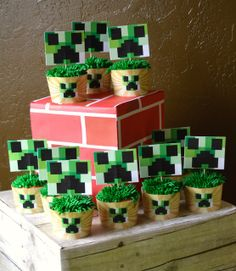 Cupcakes at a Minecraft Party #minecraft #partycupcakes