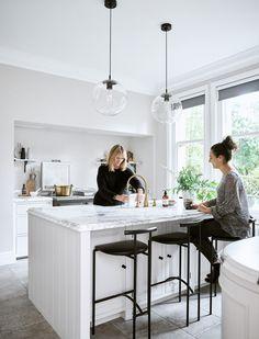 〚 Beautiful Chichester kitchen by Neptune 〛 ◾ Photos ◾Ideas◾ Design Diy Kitchen Storage, Kitchen Cabinet Design, Interior Design Kitchen, Kitchen Cabinets, Ikea Kitchen, Kitchen Hacks, Kitchen Organization, Kitchen Island, Kitchen Ideas