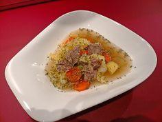 Mit Salz statt Brühe....hab die Beinscheibe 2 h kochen lassen und ner Einbrenne und Kümmel zum Schluss.....lecker