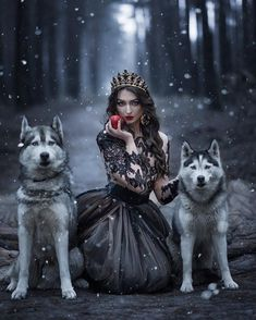 Horse Girl Photography, Fantasy Photography, Portrait Photography, Fantasy Art Women, Fantasy Girl, Dark Fantasy, Beautiful Dark Art, Beautiful Images, Wolves And Women