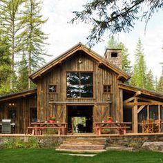 Monintor-style barn house