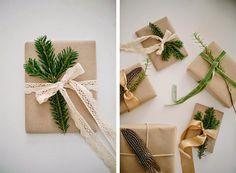Новогодняя упаковка подарков своими руками: 25 идей с крафт-бумагой | IVOREE