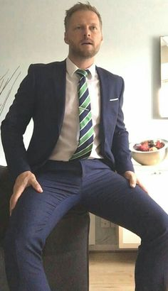 Suit and Tie Bulges: Photo Mens Fashion Blog, Latest Mens Fashion, Mens Fashion Suits, Fashion Moda, Mens Suits, Men's Fashion, Sharp Dressed Man, Well Dressed Men, Hot Army Men