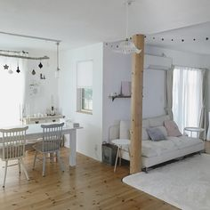 saooo39さんの、リビング,IKEA,クリスマス,ガーランド,ホワイトインテリア,流木,中古住宅,ライティングレール,のお部屋写真