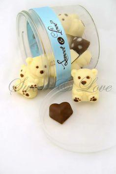Chocolates para festejar el día del niño, diversas figuras como coches, zapatillas, osos, etc. www.sweetandlove.com.mx, ventas@sweetandlove.com.mx