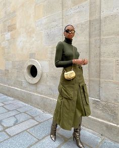 Street Style Edgy, Street Chic, Chic Outfits, Fashion Outfits, Ootd Fashion, Streetwear Fashion, Street Fashion, Fashion Women, Military Skirts