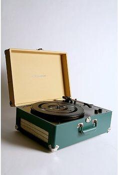 old school meets new school: Listen to your tracks via digital or LP!