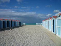 Mondello, la plage de Palerme juste avant que la saison balnéaire ne commence © Régine Cavallaro Beach, Water, Outdoor, Palermo, The Beach, Travel, Vacation, Gripe Water, Outdoors