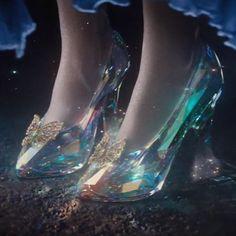 Las zapatillas de cristal Cenicienta 2015 e7185426b6f6
