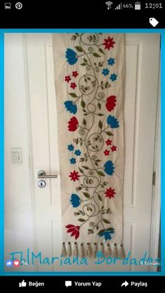 Diy Crafts For Gifts, Arts And Crafts, Hand Embroidery, Embroidery Designs, Bed Runner, Table Runners, Needlework, Stencils, Crafty