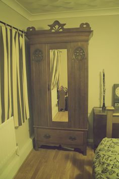 Old carved wooden wardrobe with mushroom design - very art deco - FREE HAND-ME-DOWN