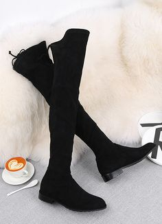 Cizme peste genunchi din piele naturala elastica, elagante si finute. Knee Boots, Shoes, Fashion, Moda, Zapatos, Shoes Outlet, Fashion Styles, Knee Boot, Shoe