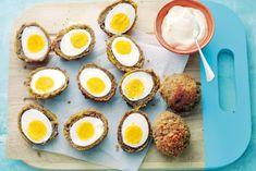 Dit borrelhapje heeft een interessante look, maar is een eitje om te maken! Recept -Scotch eggs - Allerhande