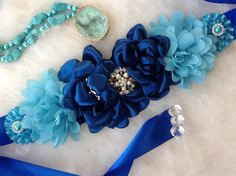 Blue Maternity Sash. Lace Sashes. Pregnancy Sash. por SweetHadas