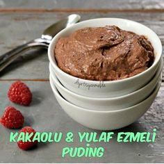 Hadi tatlı bişeyler yiyelim!!  Kakaolu Yulaf Ezmeli Puding (1 porsiyon)  4 yemek kaşığı yulaf ezmesi  150 ml yarım yağlı süt  1 silme yemek kaşığı keçi boynuzu tozu/unu  1 tatlı kaşığı kakao tozu YAPILIŞI;  Tüm malzemeleri 1 dakika kadar blender'dan geçiriyoruz.  Karışımı bir tavaya alıyoruz. 5 dakika kadar orta ateşte karıştırarak koyulaştırıyoruz.  İster hemen, ister buzdolabında birkaç gün bekleterek tüketebilirsiniz. Afiyet olsun!  1 porsiyonu KDV dahil 249,9 kalori!