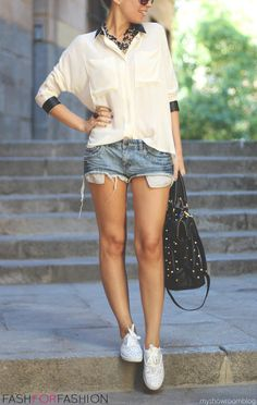 perfectly paired. exposed pockets   casual airy blouse   white kicks   chuncky jewels to dress up   hair in pony   perfect!