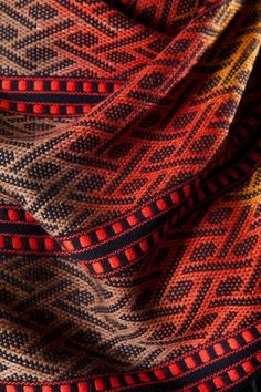 http://magicthreads.files.wordpress.com/2013/10/19-c-detail-scarf.jpg  West Timor Series: Scarf by Kay Faulkner