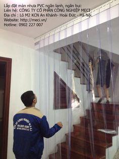 Lắp đặt màn nhựa PVC cho cửa ra vào. Meci.vn