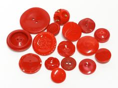 mix of 16 red vintage buttons
