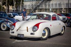 Nice to see John's beautiful #porsche #356 out at @sydney_machina_social_club #machinesandmacchiatos the #vw #beetle #deluxe behind it was pretty cool too