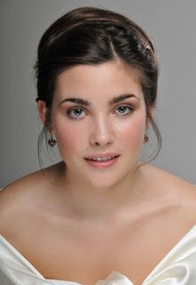 Wedding Makeup, Go Natural. Read more: http://memorablewedding.blogspot.com/2013/09/wedding-makeup-go-natural.html
