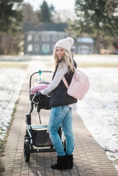 The best diaper bag! The backpack makes it easy for you to hold everything while tackling other things with both hands! Come see what I pack into mine!