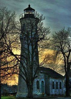 awesome pics: Fort Niagara Lighthouse.... Youngstown, NY
