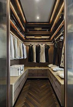 Locate the best dressing room ideas, layouts & inspiration. Check out images of stroll in wardrobes & closets to develop your ideal home. #wardrobedresser