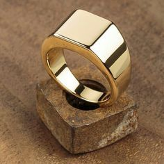 Trendy jewelry to add style to your wardrobe Trendy Jewelry, Gold Jewelry, Jewelry Rings, Jewelry Accessories, Jewelry Design, Fashion Jewelry, Fine Jewelry, Jewellery, Mens Gold Rings