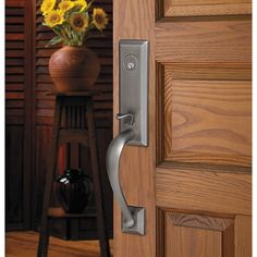 Cody Knob Handleset - Formed of the finest materials and finished in rich hues, Baldwin entrysets greet every guest with distinguished style. Entry Door Locks, Front Door Hardware, Lent, Entrance, Door Handles, Home Decor, Entryway, Homemade Home Decor, Doorway
