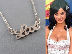 Katy Perry con colgante LOVE Plateado:  http://www.mimossa.es/home/12-colgante-love-plateado.html