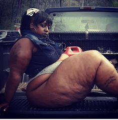Big Black Woman, Black Women, Thick Girl Fashion, Curvy Outfits, Ssbbw, Thighs, Booty, Lingerie, Pear