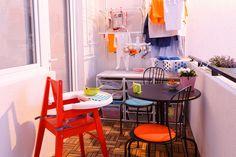 Vara, toată lumea are propriul loc la soare, ȋn balcon, inclusiv cel mai mic membru al familiei. Ikea, Mai, Dining Chairs, Table Decorations, Outdoor, Furniture, Home Decor, Dinner Chairs, Outdoors